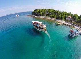 Blue Lagoon & Three Islands picnic tour