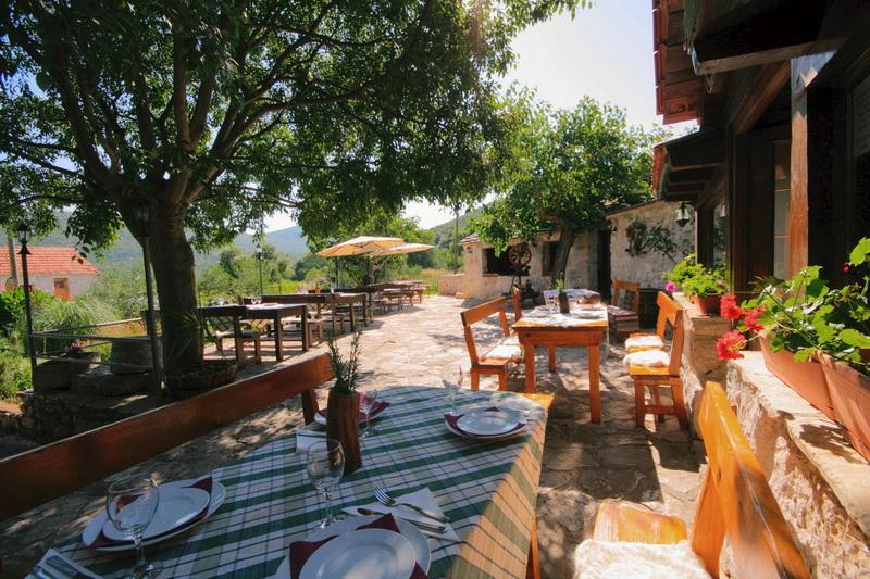 Traditional Dalmatian Village Party Trogir Trogir Travel