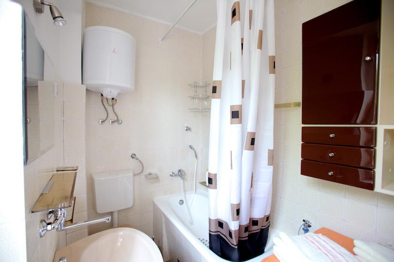 privatzimmer marina trogir in der n he von yacht club trogir. Black Bedroom Furniture Sets. Home Design Ideas