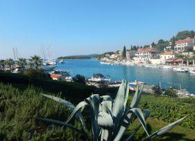 Speedboat half day tour to Blue Lagoon and Šolta Island