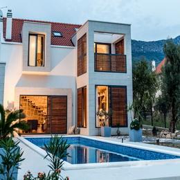 Luxury Villa in Kaštel Lukšić