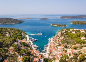 Island-Solta-maslinica-port-and-harbour
